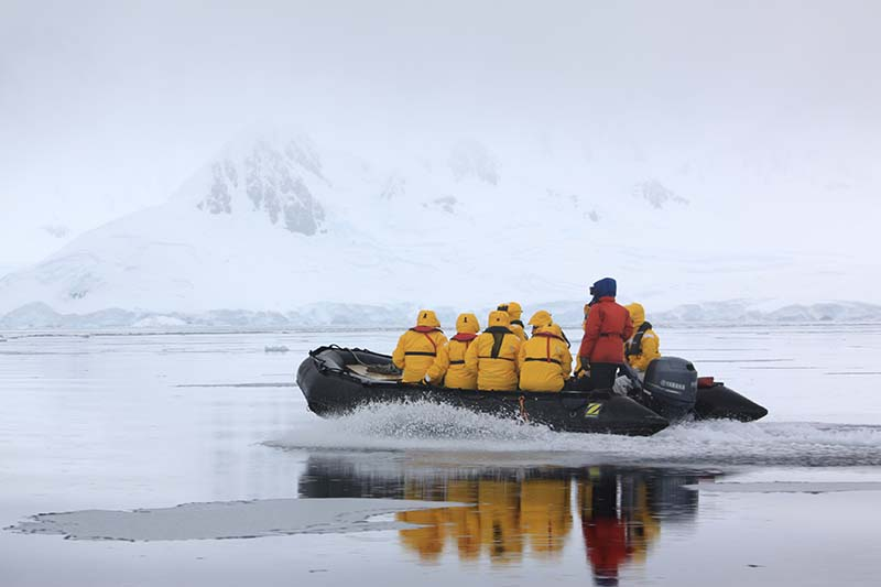 Quark Expéditions ANTARCTIQUE EN ZODIAC 2