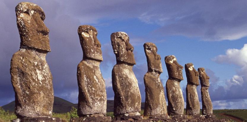 les Moais sur l'Île de Pâques