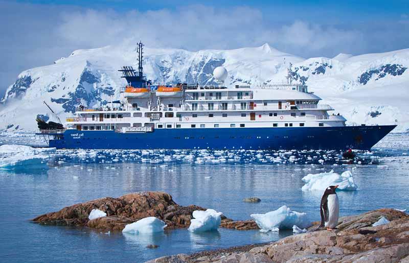 équipage de la compagnie quark-expeditions - spécialiste des croisières d'expédition
