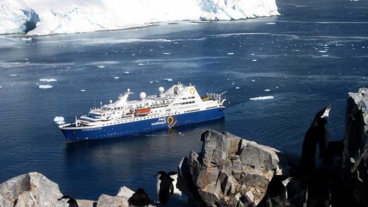 Ocean Diamond lors d'une croisière en Antarctique